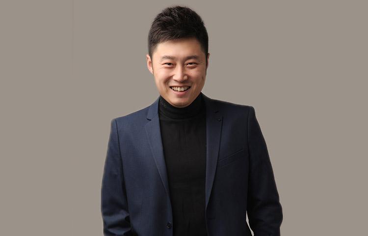 吕贺-毕业重庆大学美视电影学院 戏剧与影视表演