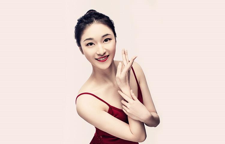 曹诗怡-重庆大学艺术学院  舞蹈表演