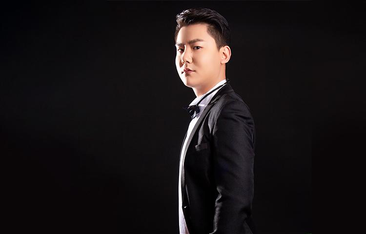 袁海龙-江西著名男高音歌唱家