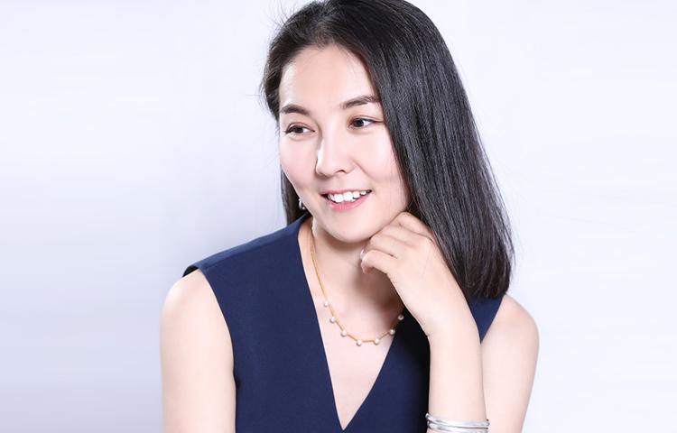 苏龙高娃-表演网红教师