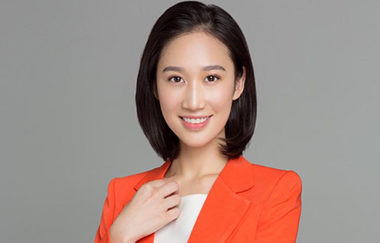 丛冠月-毕业于中国传媒大学,中央电视台主持人