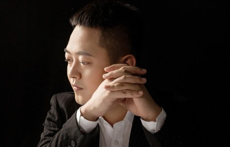 侯毅-十七傳媒校長、青年演員