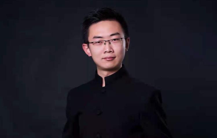 康謙-湖南省演講與口才協會會員、播音專業教師